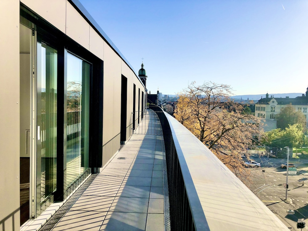 SKYLINE Rooftop Apartments Basel