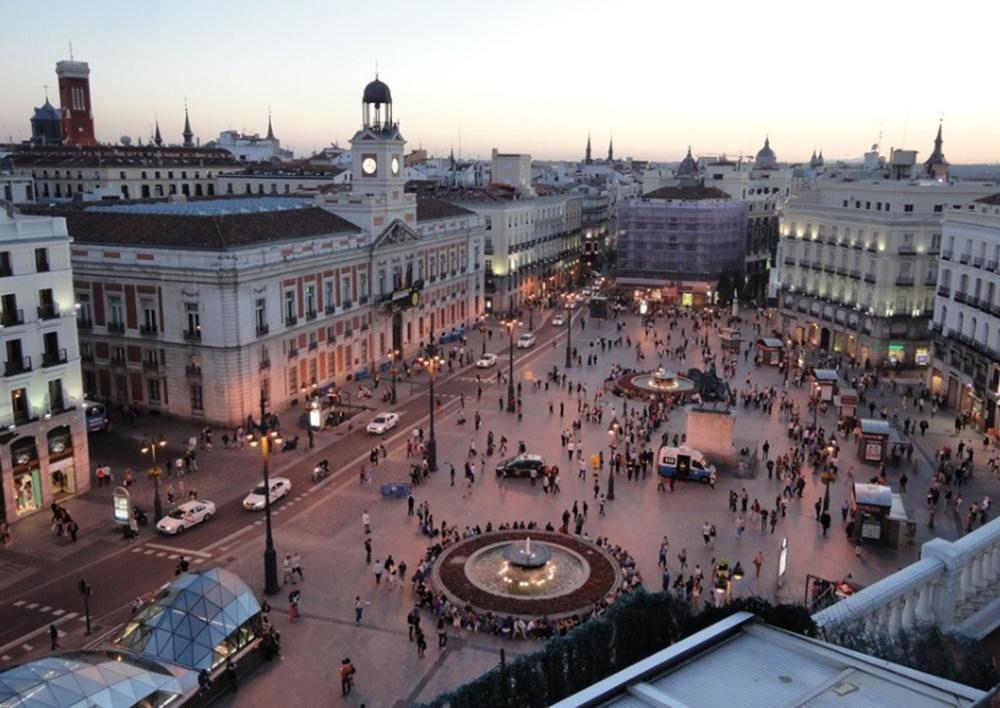 Studio In Madrid With Wonderful City View Balcony And Wifi