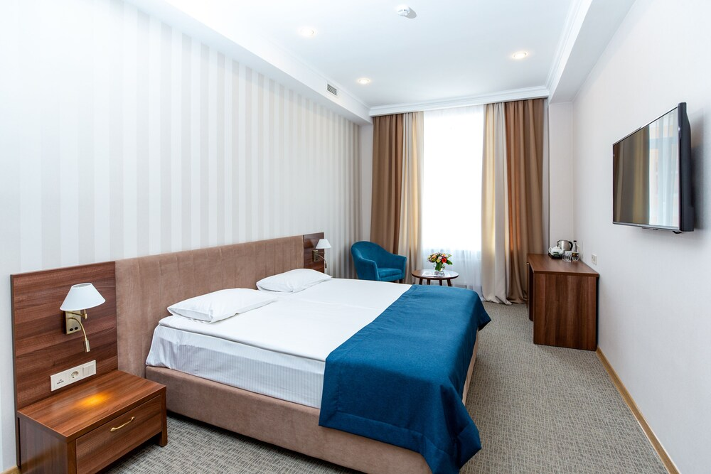 Guyot Business Boutique Hotel