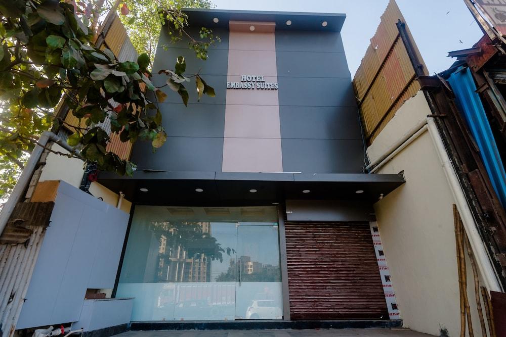 OYO 29143 Embassy Suites