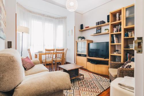 Cozy Home by People Rentals