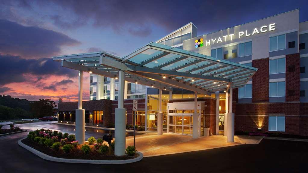 Hyatt Place Pittsburgh South Meadows Racetrack & Casino