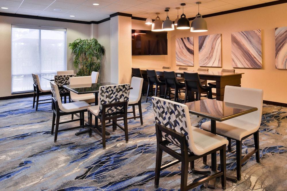 Gallery image of Fairfield Inn & Suites Raleigh Durham Airport Brier Creek