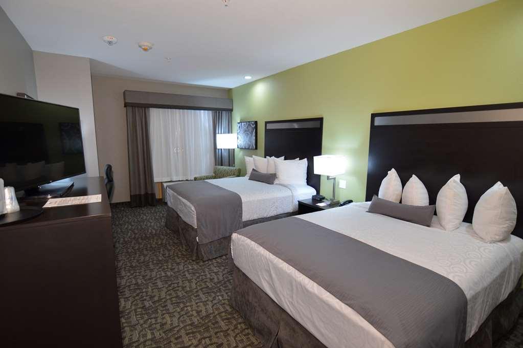 Gallery image of Best Western Plus Bay City Inn & Suites