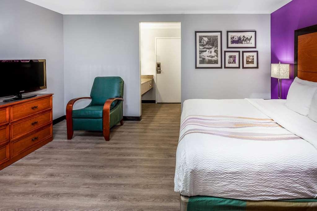 Gallery image of La Quinta Inn Birmingham Inverness