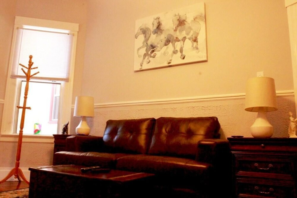 Cole Valley Lower Apartment