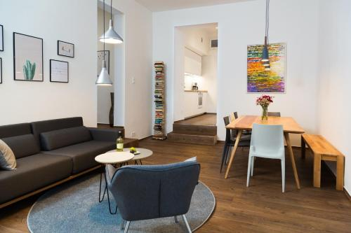 Upper Westside 3 Bedroom Interior Designed Apartment by BENSIMON apartments