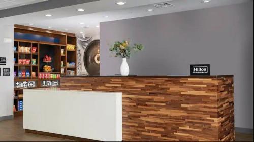 Hampton Inn & Suites Charlotte Northlake NC