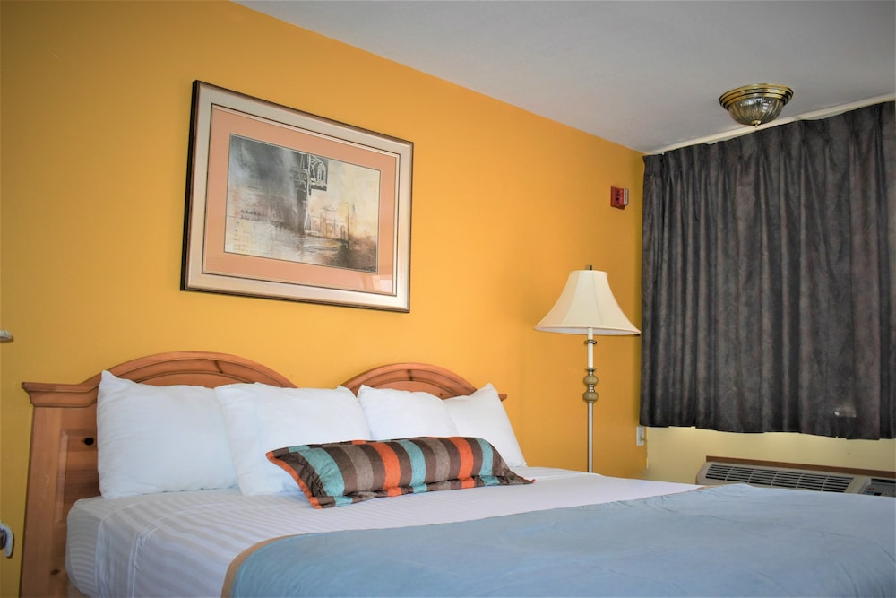 Gallery image of Travelodge by Wyndham Albuquerque East