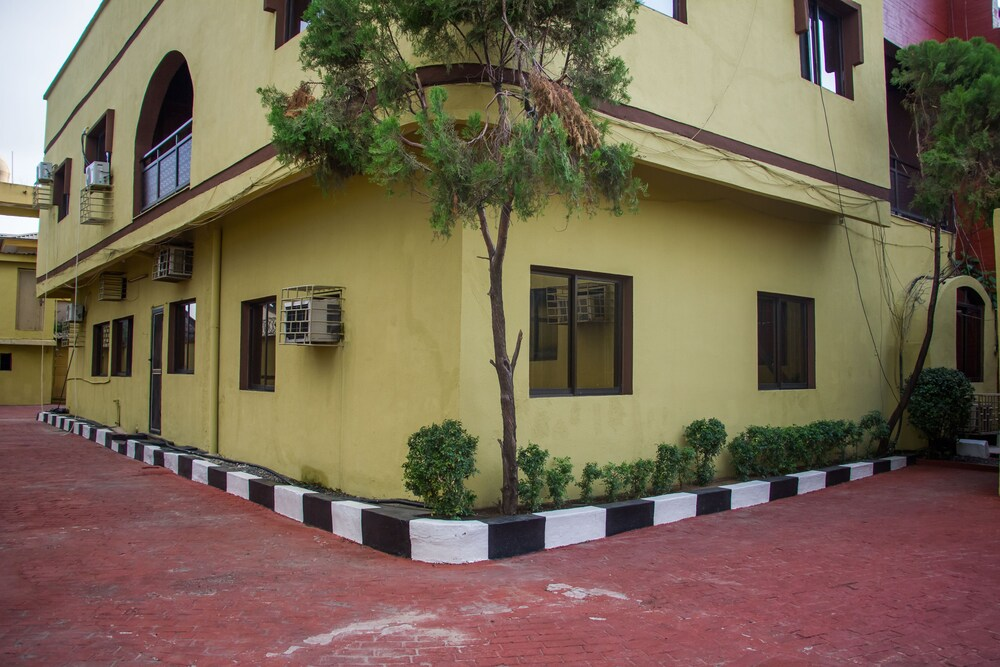 Gallery image of Peace Hotel Annex