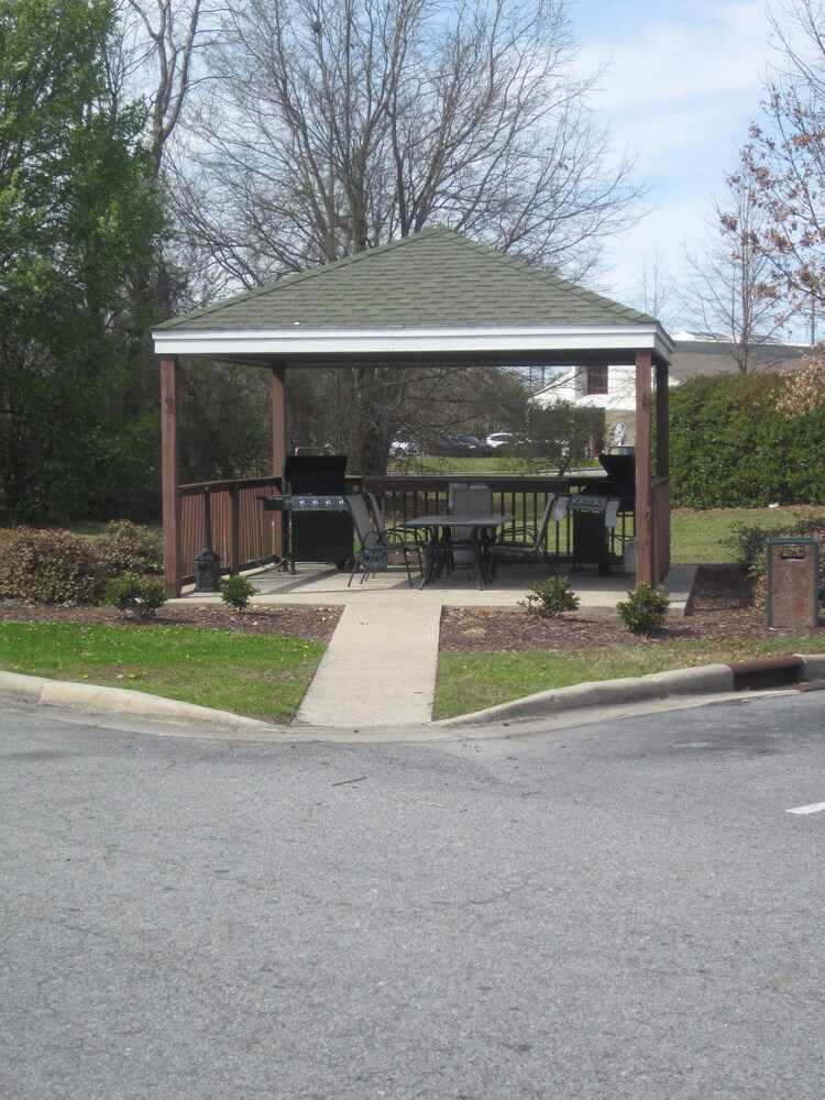 Gallery image of Home Towne Suites Greenville