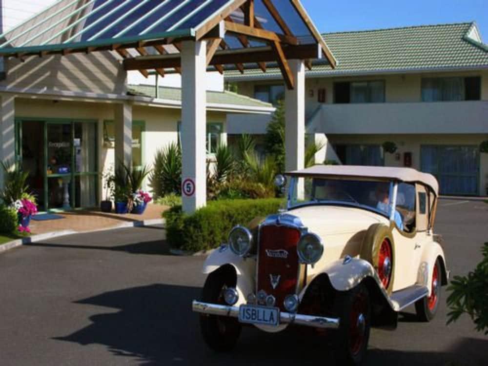 Gallery image of Birchwood Spa Motel
