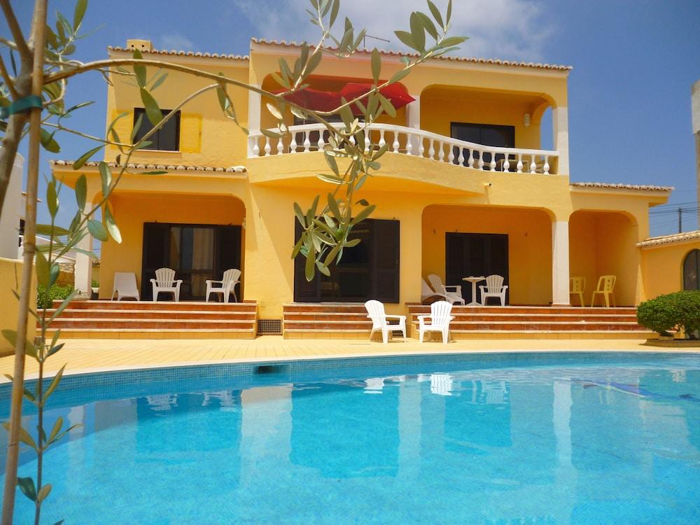 Casa Concha Guesthouse