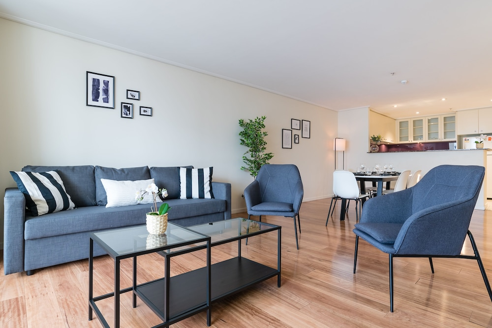 Sydney CBD Self Contained Modern Studio Apartments