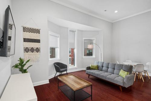 Private Place in Philly s Charming Queen Village