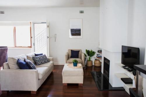 Cottesloe Beach Villa With Large Courtyard Sleeps 4