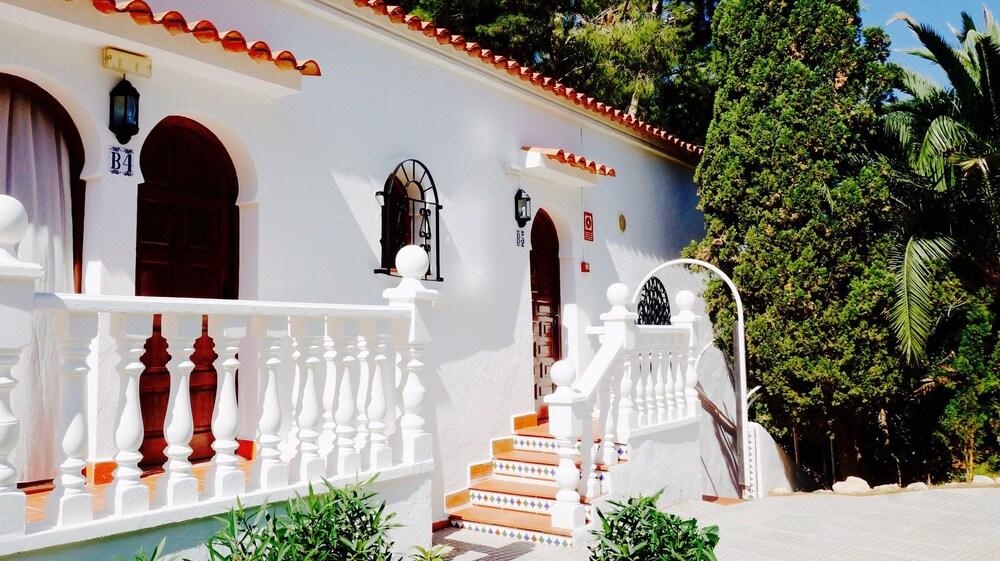Gallery image of Granada Apartments Ibiza