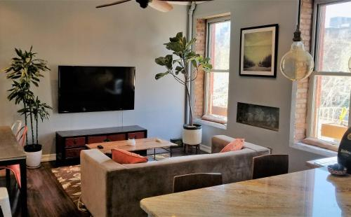 Big renovated condo with great views