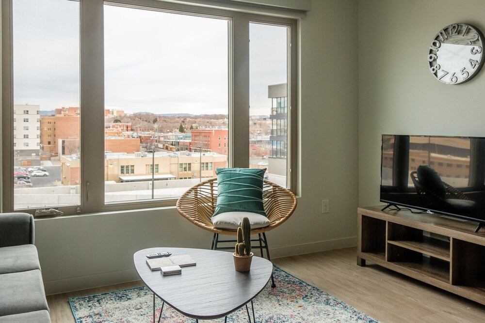 Downtown ABQ Apartments by Frontdesk