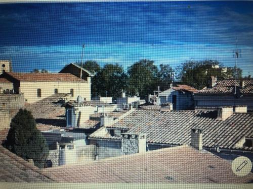 Terrasse tropézienne centre Nimes