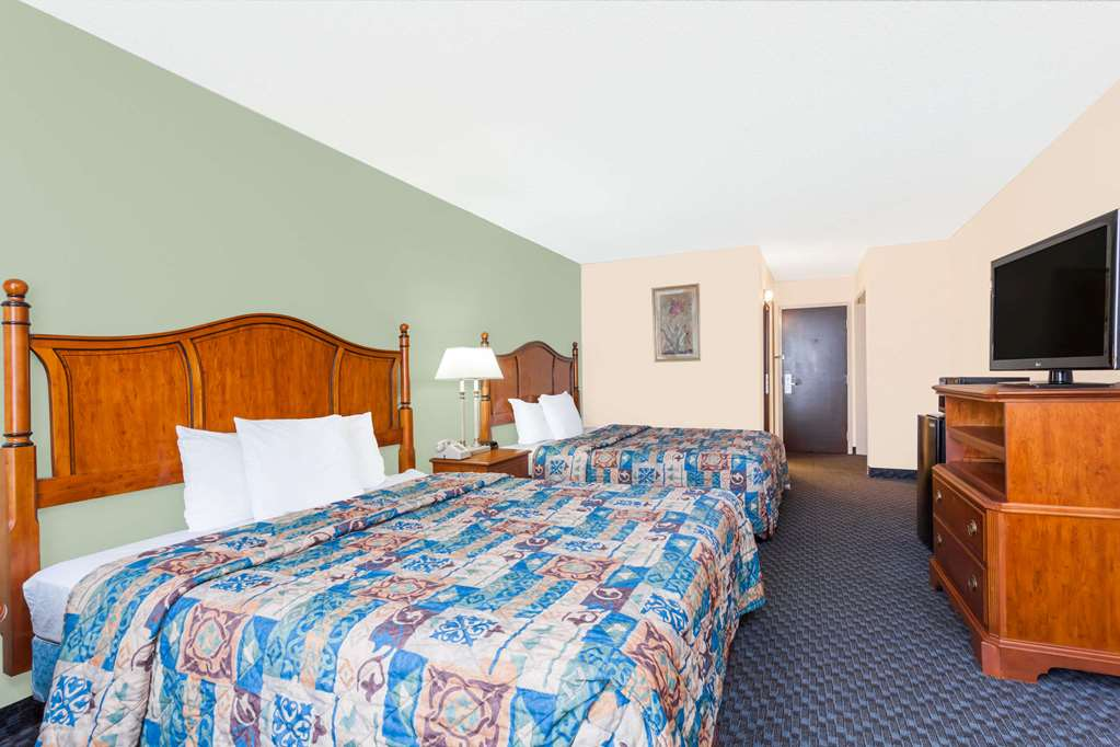Gallery image of Days Inn & Suites by Wyndham SE Columbia Ft Jackson