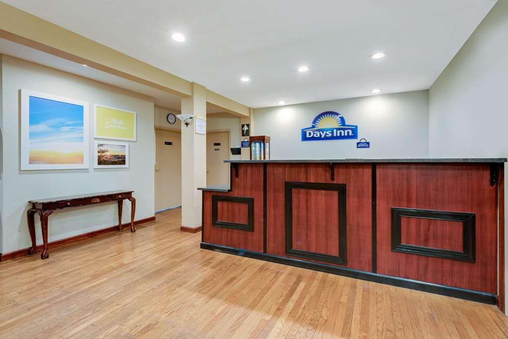 Gallery image of Days Inn by Wyndham Fairmont