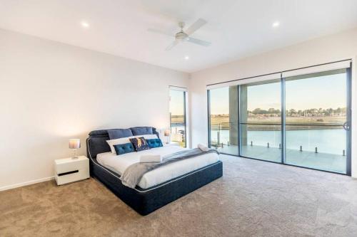 HomePlus Luxury Living in Sanctuary Cove