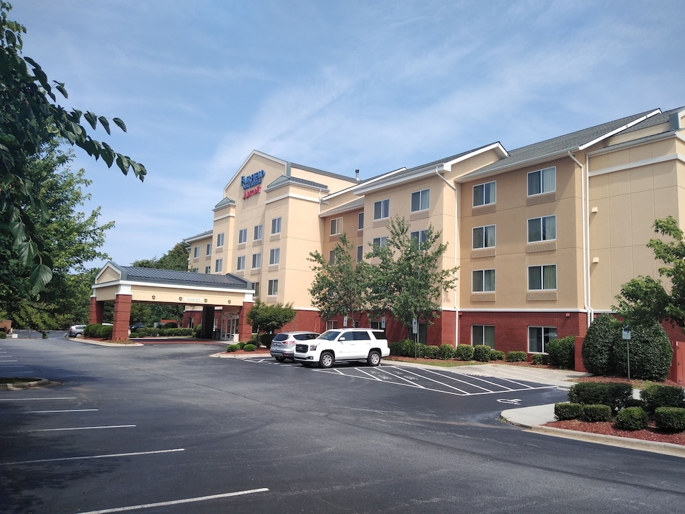 Gallery image of Fairfield Inn & Suites by Marriott Greensboro Wendover
