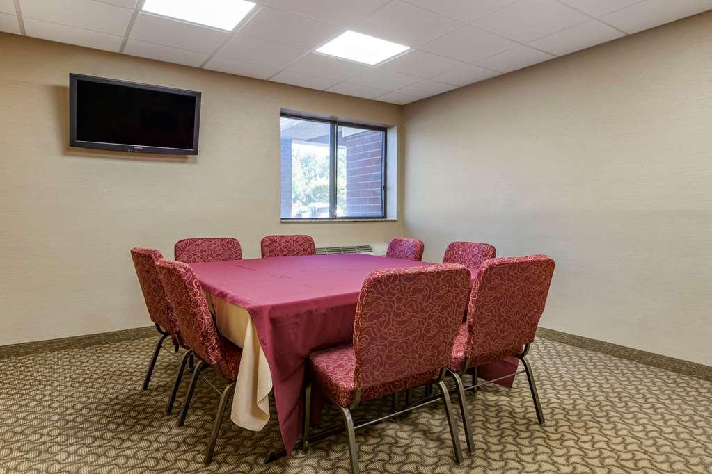Gallery image of Comfort Inn Near Greenfield Village