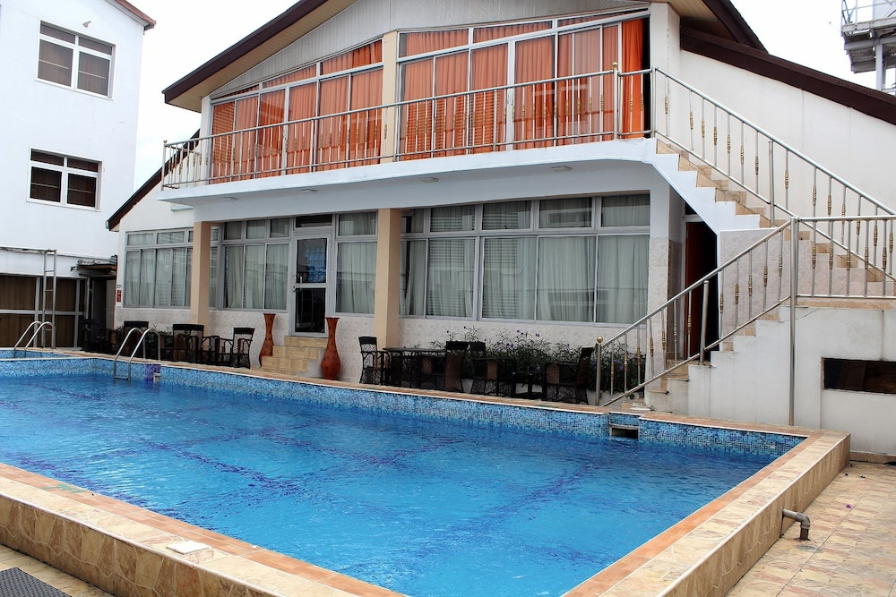 Springpark Yaad Hotel