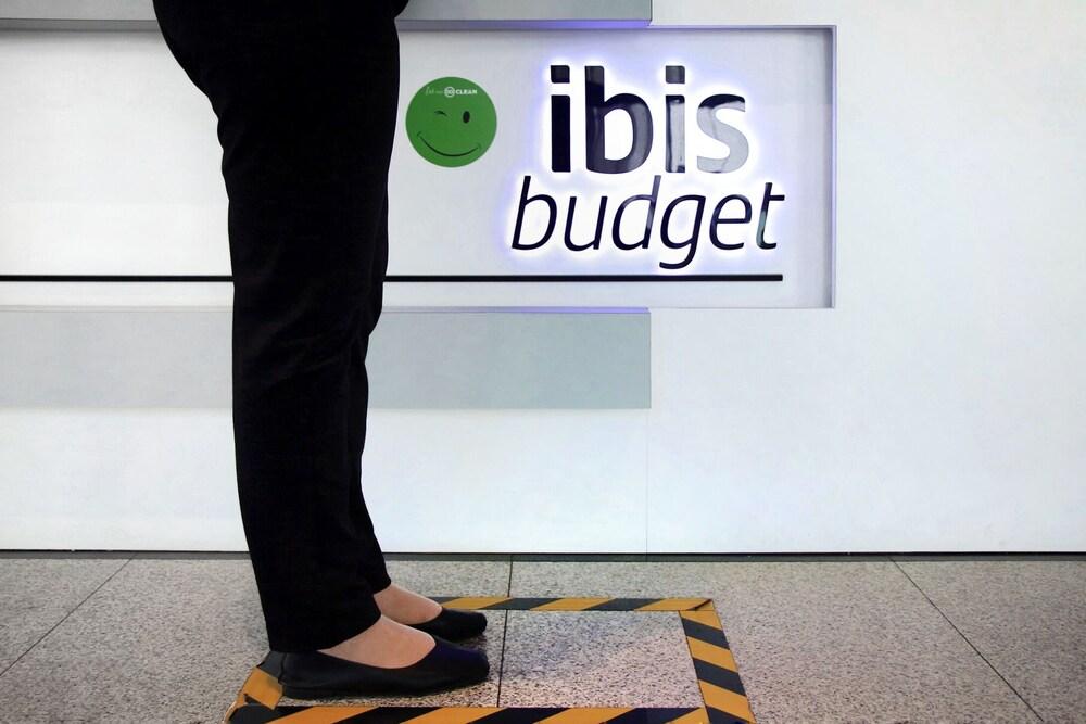 Gallery image of ibis budget Singapore West Coast