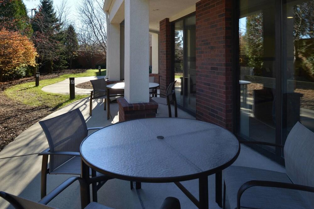 Gallery image of Courtyard by Marriott Milwaukee Brown Deer