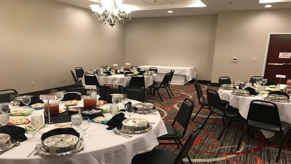 Gallery image of Holiday Inn Hotel & Suites Lafayette North