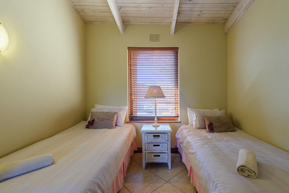 San Lameer Villa Rentals 3011