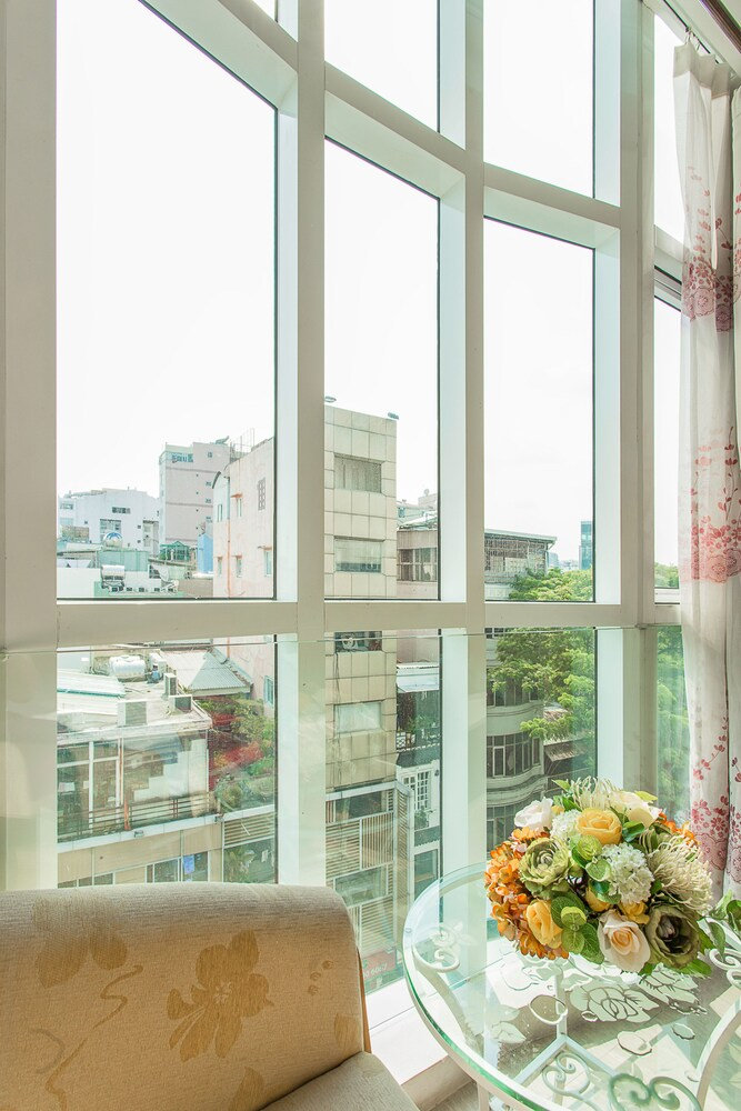 Gallery image of Lucky Star Hotel 266 De Tham