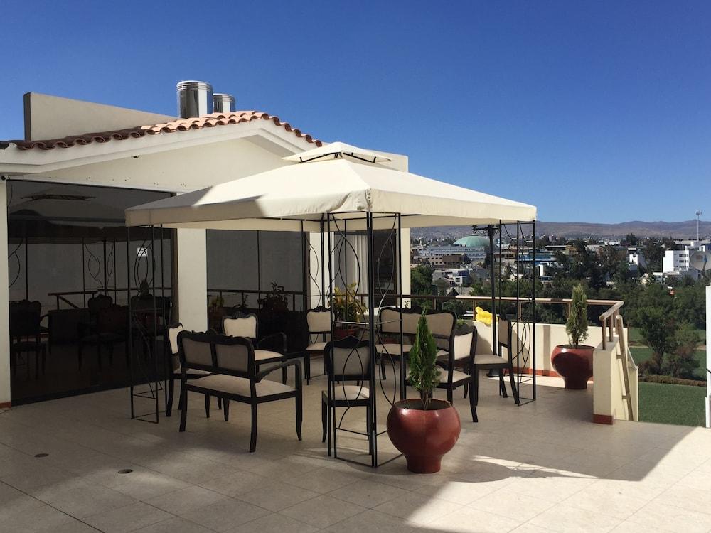 Casa Mores Inn
