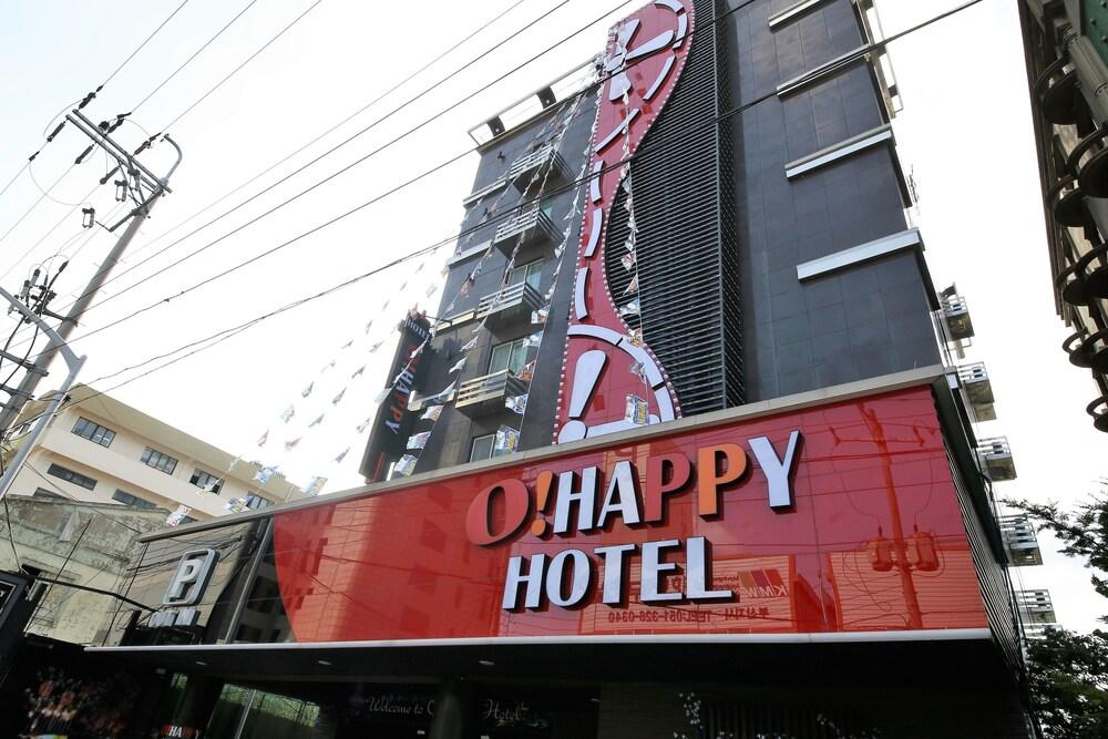 Hotel O Happy