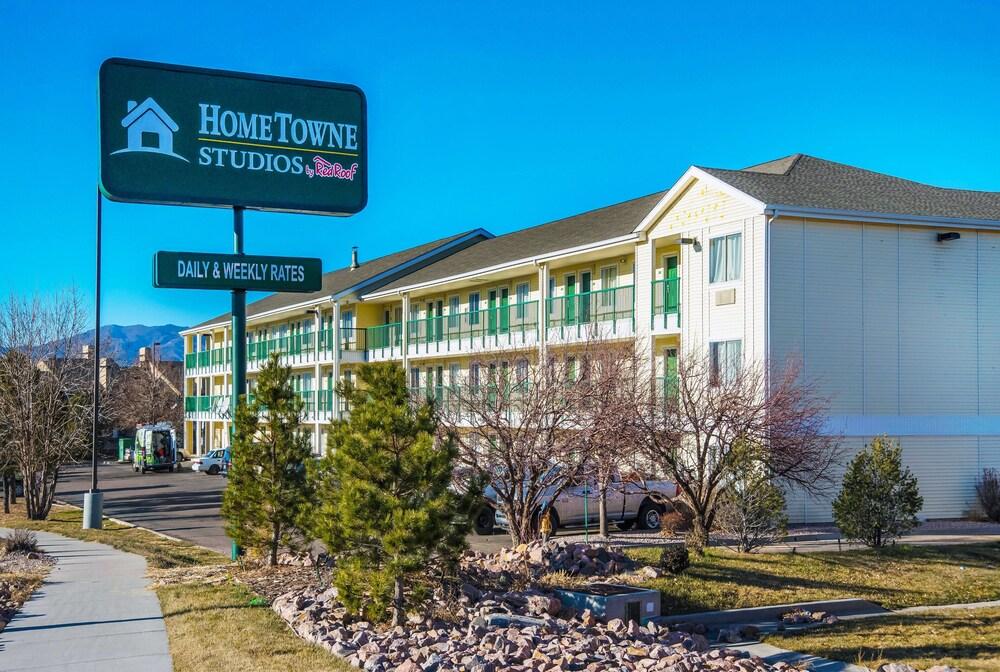 Gallery image of HomeTowne Studios by Red Roof Colorado Springs Airport