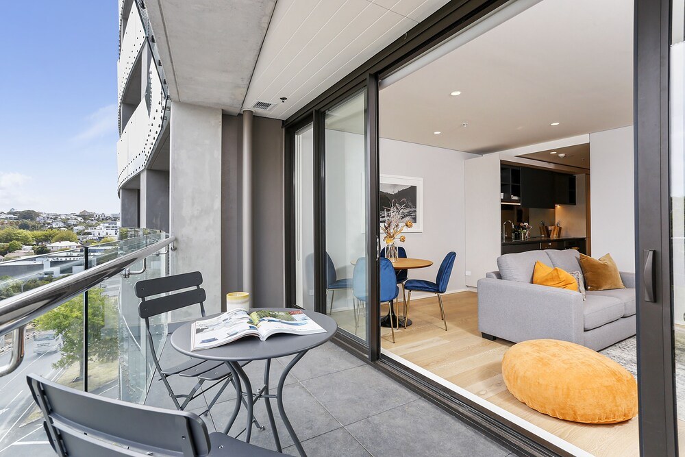 Modern Elegance near Victoria Park by Urban Butler