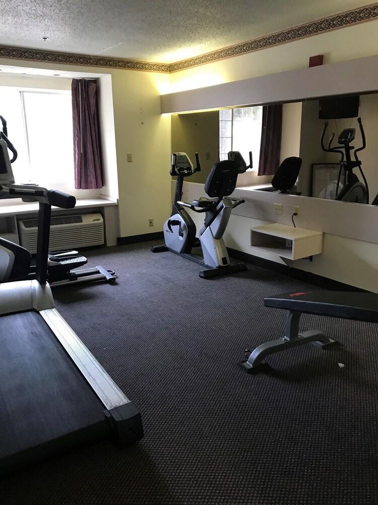 Gallery image of Regency Inn & Suites DFW