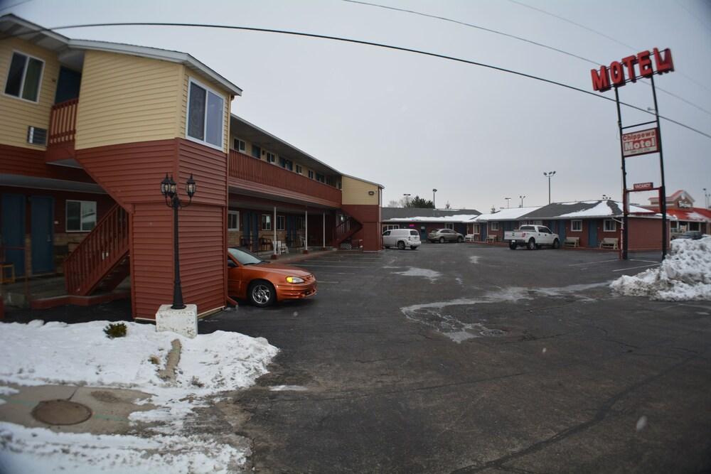 Gallery image of Chippewa Motel