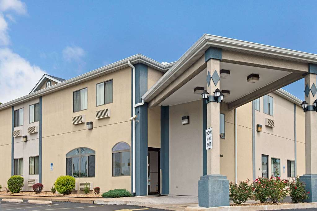 Gallery image of Travelodge by Wyndham St. Louis