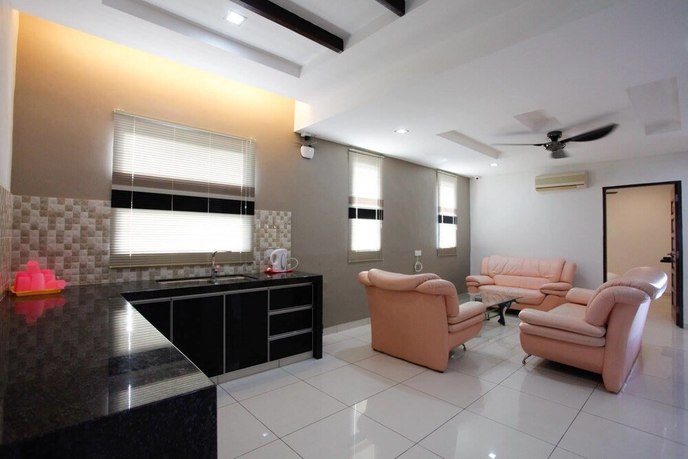Gallery image of Millenium Maison Home