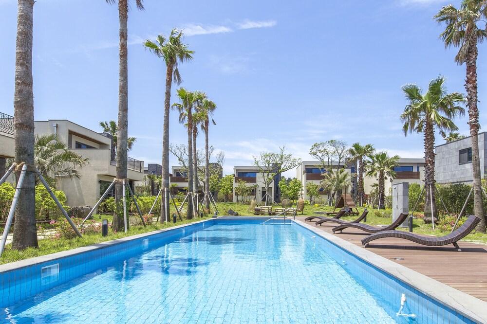 Leeum Island Spa & Pool Villa