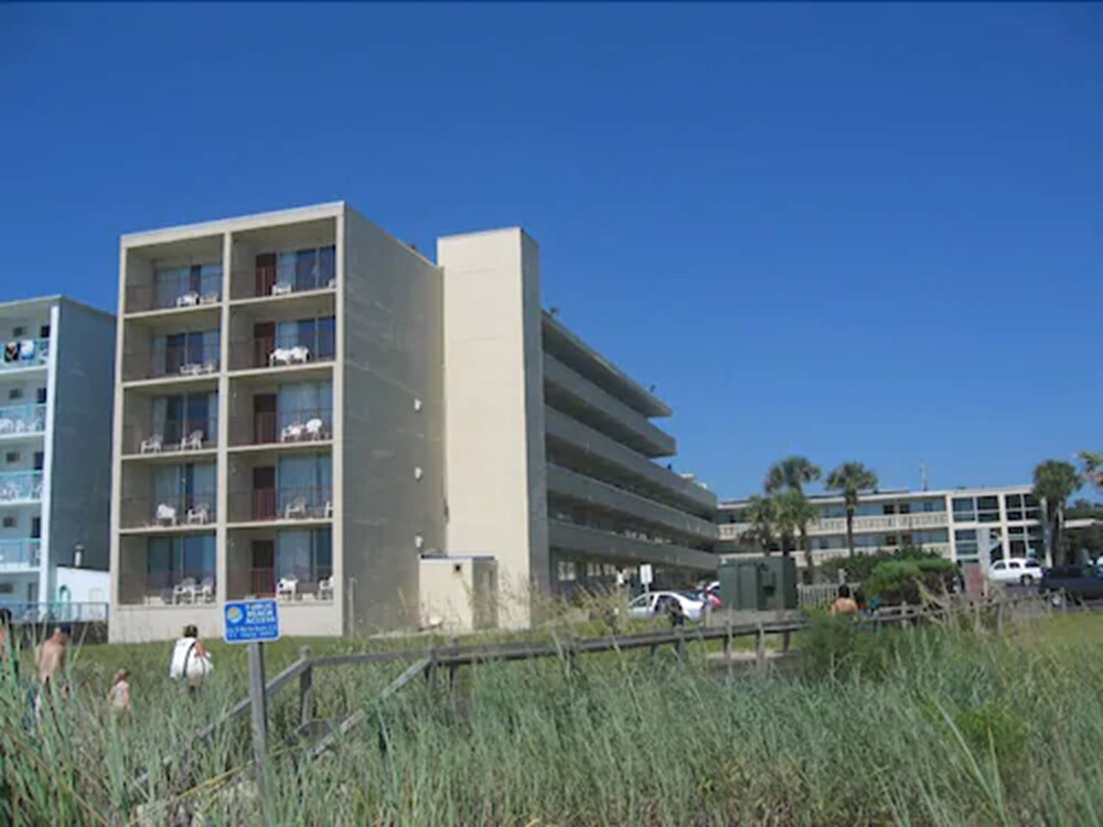 Gallery image of The Oceanfront Viking Motel
