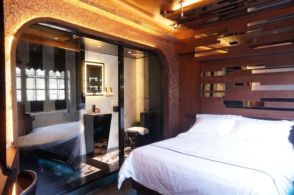 Star City Hotel Tsim Sha Tsui