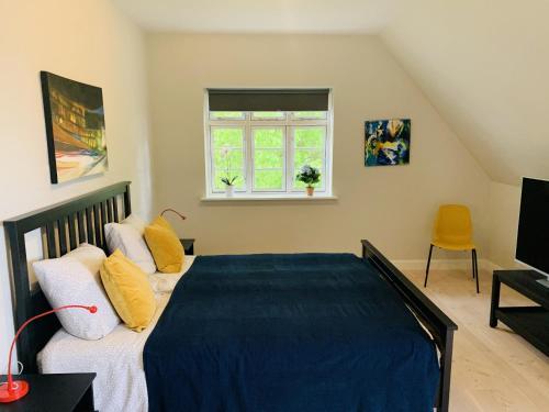 Adnana Modern Living Masters Room