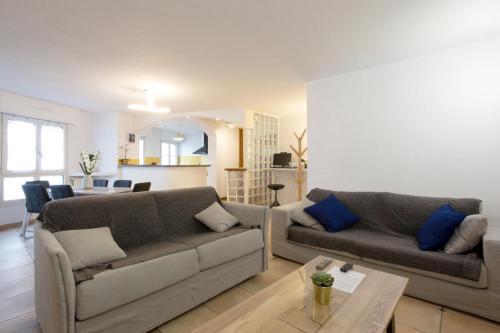 Appartement privé 80m carré 2 chambres 1 place de parking