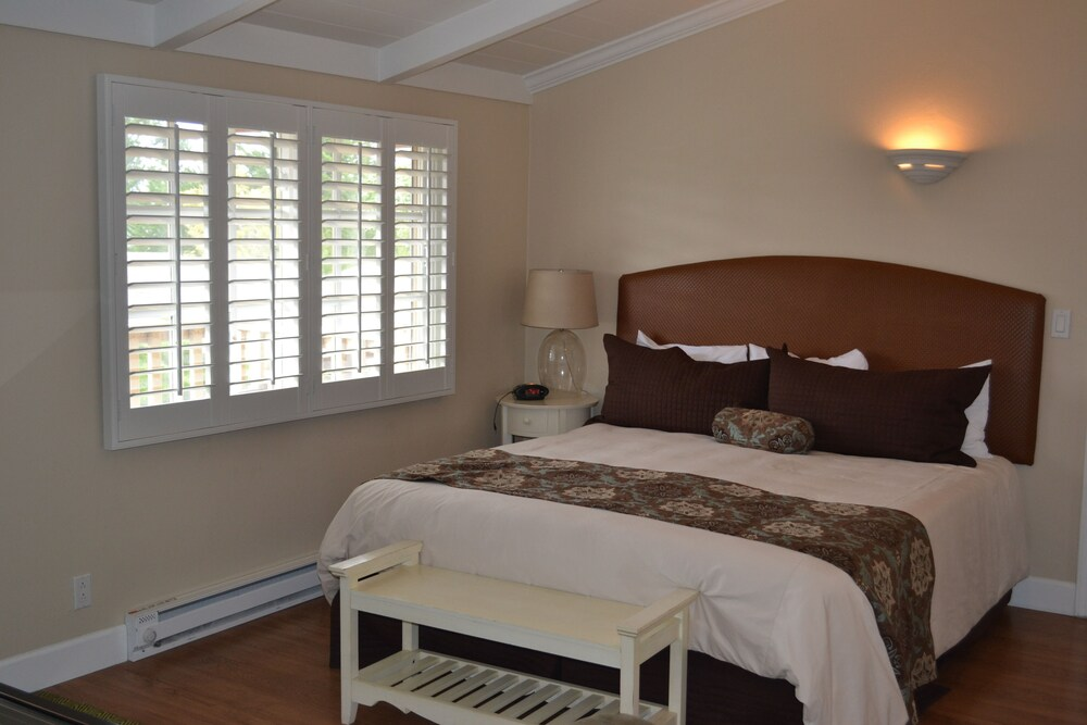 Gallery image of Sunset Inn
