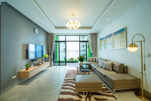 Entire Luxurious Condo in middle of Hanoi